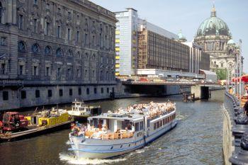 Städtereisen Berlin Hotels und Pensionen - Ausflugsziele-flussreisen-schifffahrt-reiseführer