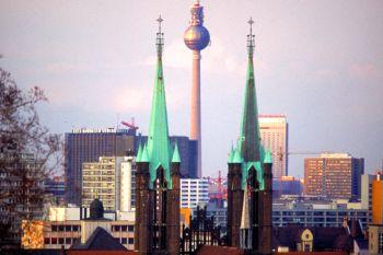 berlin-sehenswürdigkeiten-skyline-städtetrips-kurzreisen