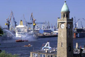 sehenswürdigkeiten hansestadt hamburg hafen schiffe tagesausflüge