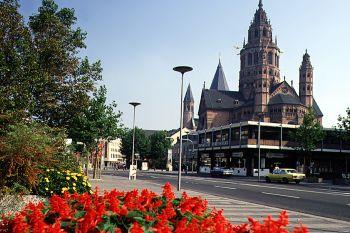 Ausflüge in Rheinland-Pfalz Historische Bauwerke Schloß