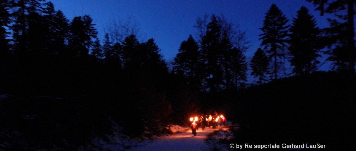Fackelwanderung in Bayern Ideen für Nachtwanderung in Deutschland