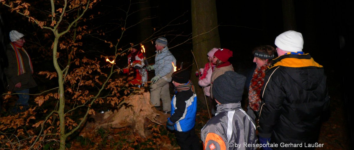 Tipps zur Nachtwanderung Ausrüstung wie Nachtsichtgeräte