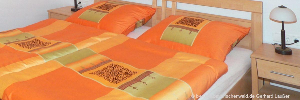 Familien Ferienparks in Deutschland - Ferienwohnung Schlafzimmer Bett