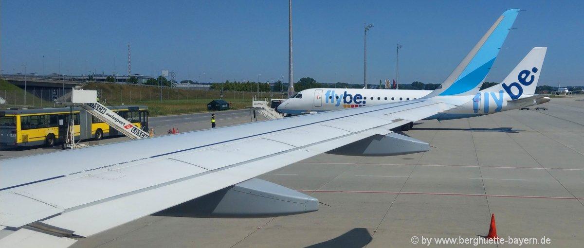 welt-flugreisen-flugzeug-privatjet-chartern-flughafen